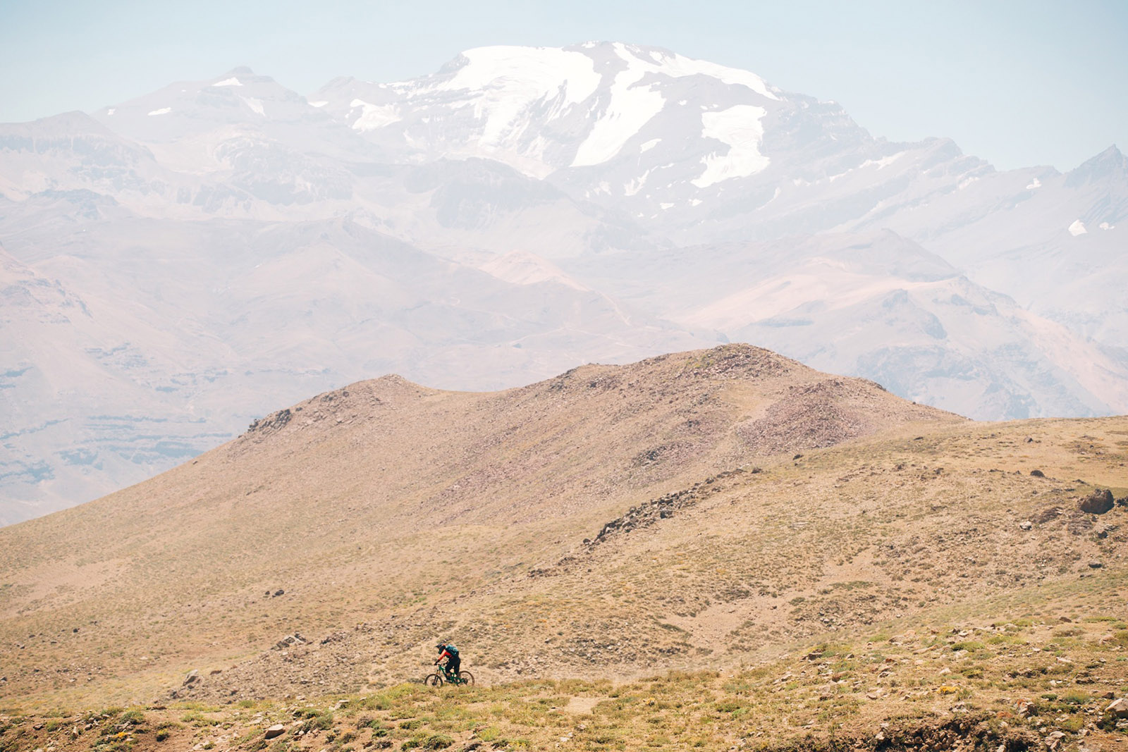 Juliana Bicycles - Jaime Hill Against the Mountains in Chile at the 2018 Andes Pacifico Enduro Race