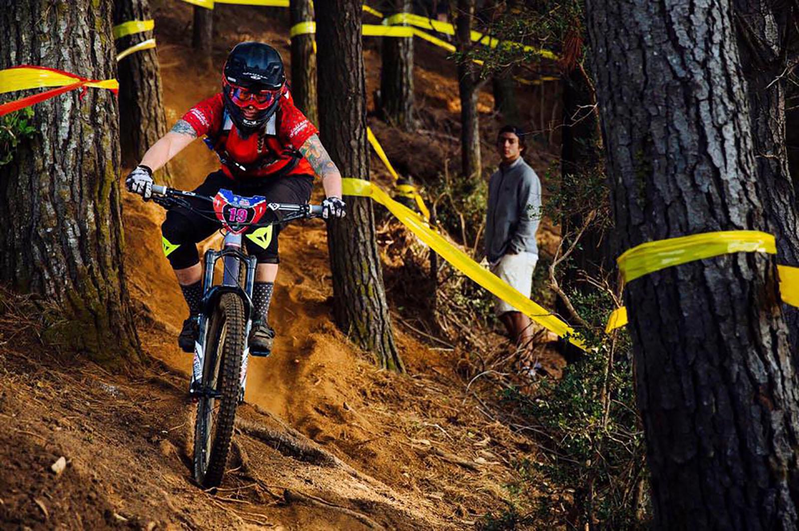 Juliana Bicycles - Sarah Leishman at Corral, Chile EWS